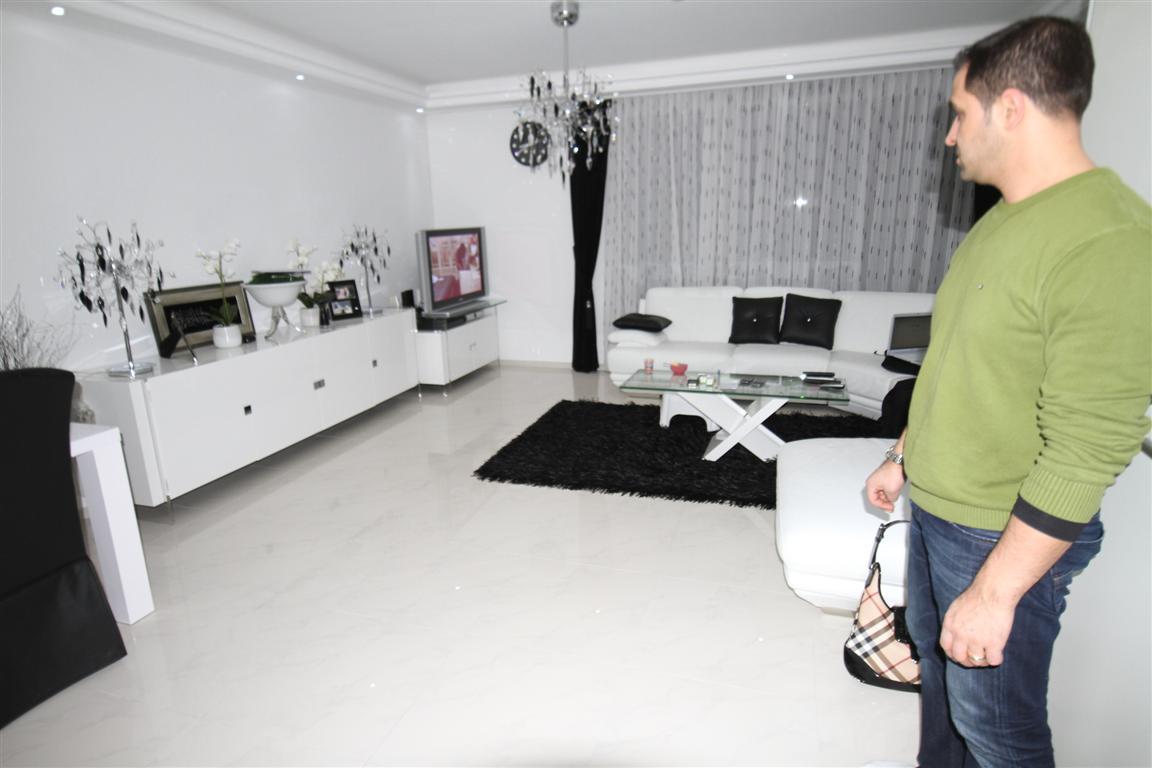 Vloerverwarming emmeloord.nl - carrara, Klant uit Amsterdam het leveren en het leggen van vloertegel bianca carrara .vlak en strak gelegd.